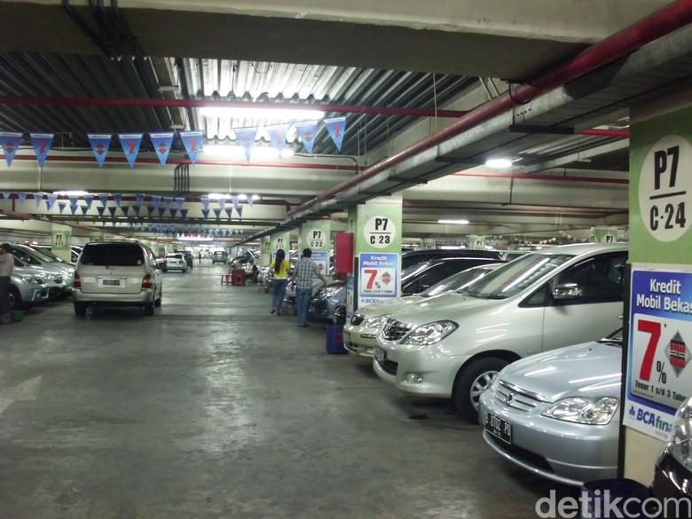 Bursa Mobil Bekas WTC Mangga Dua. Foto: dok detikOto
