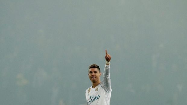 Cristiano Ronaldo mencetak satu gol ke gawang PSG dalam leg kedua perdelapan final Liga Champions.