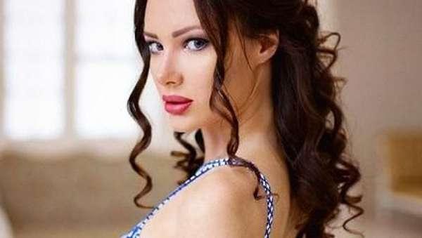 Cantik dan Seksinya Syahrini Rusia