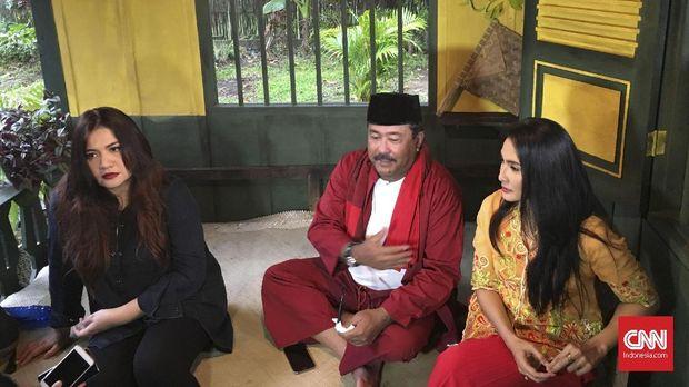 Rano Karno berjanji film 'Si Doel the Movie' bisa disaksikan paling cepat tahun ini.