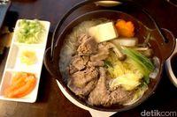 Sakana: Gurih Enak! <i>Chicken Katsu Don</i> Buatan Hotel Bernuansa Jepang di Karawang