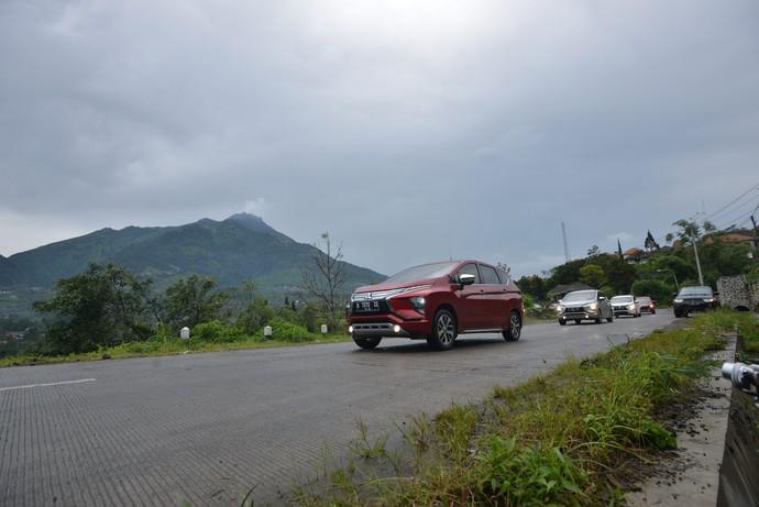 Jajal Xpander di Kaki Gunung Merbabu