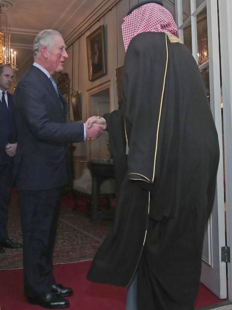 Foto: Saat Putra Mahkota Arab Saudi Bertemu 2 Pangeran Inggris