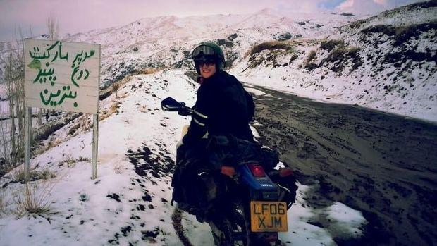Cerita Wanita Inggris Solo Touring Motor di Iran