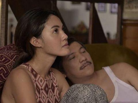 Della Dartyan dan Gading Marten di film 'Love for Sale'.