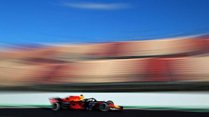 Daniel Ricciardo dalam tes pramusim di Barcelona. (Foto: Dan Istitene/Getty Images)
