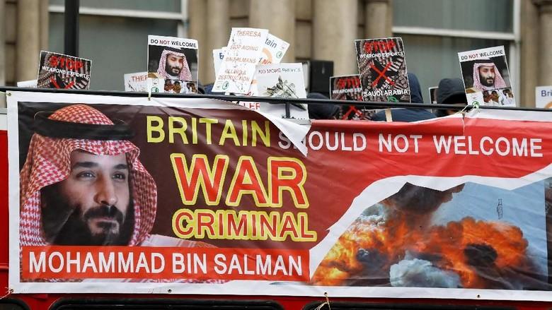 Foto: Demo Yaman Warnai Kunjungan Putra Mahkota Saudi di Inggris