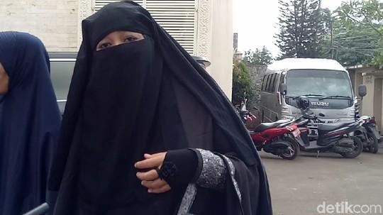 Dian, Istri Pertama Opick yang Layangkan Gugatan Cerai Kini Bercadar