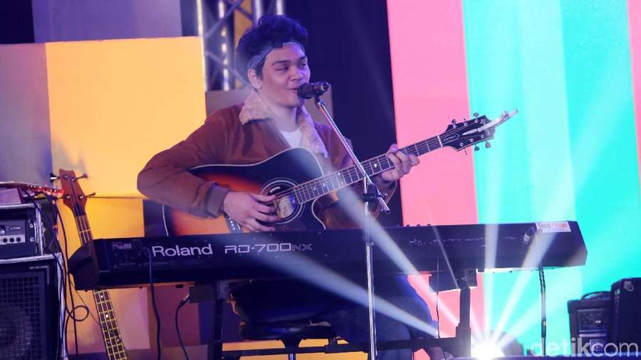 Aksi The Overtunes di dHOT Music Day 2018