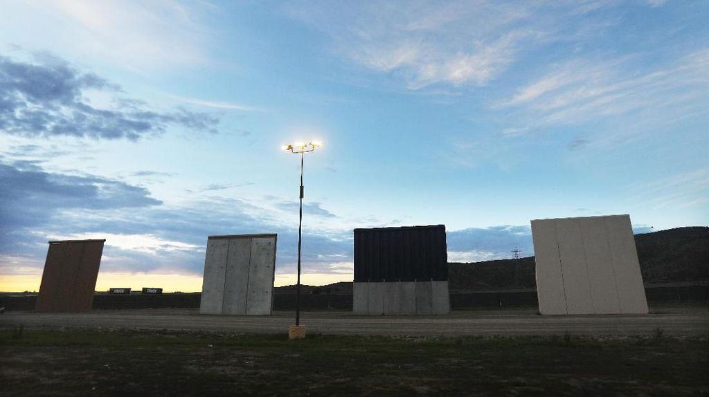 Hakim AS Larang Trump Transfer Rp 49 T untuk Biayai Tembok Meksiko