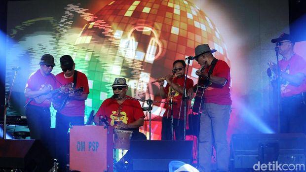 Dangdut-an Bareng Grup OM PSP di Panggung d'HOT Music Day 2018