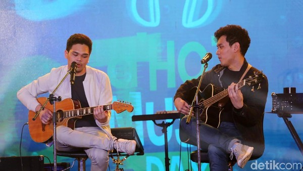 Sayap Pelindungmu The Overtunes Bikin Syahdu dHOT Music Day 2018