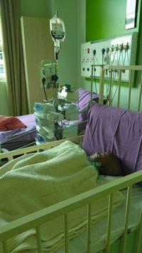 Kendra mendapatkan 7 injection pump dan juga transfusi darah