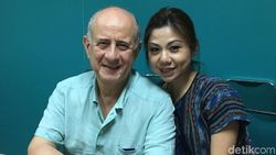 Belajar Cinta Indonesia Ala Diplomat Pujangga Yunani, Georgios Veis