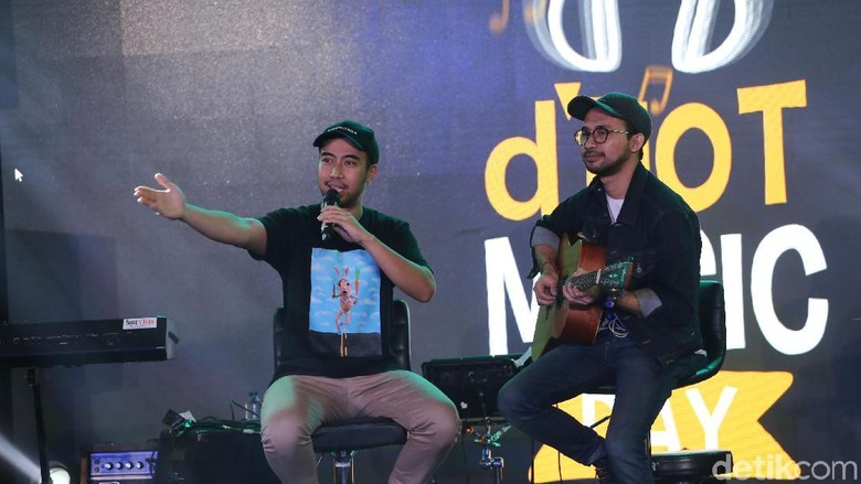 Vidi Aldiano saat manggung di dHOT Music Day Foto: Nugraha