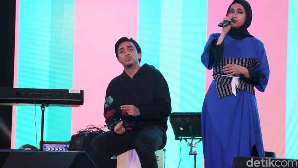 Duet Manis Ayudia dan Ditto di dHOT Music Day 2018