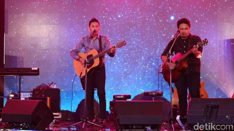 Yakob Ajarkan untuk Setia di dHOT Music Day 2018