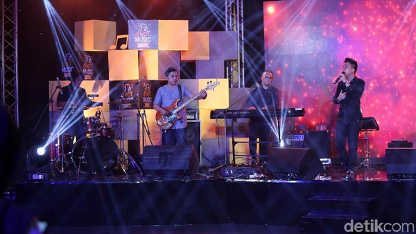 Melamarmu Badai Romantic Project Buai Penonton dHOT Music Day 2018