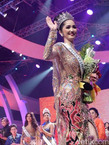 Pemenang Puteri Indonesia 2018 Sonia Fergina dari Provinsi Bangka Belitung.
