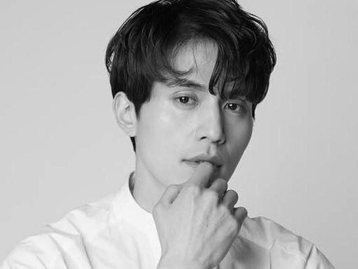 foto lee dong wook