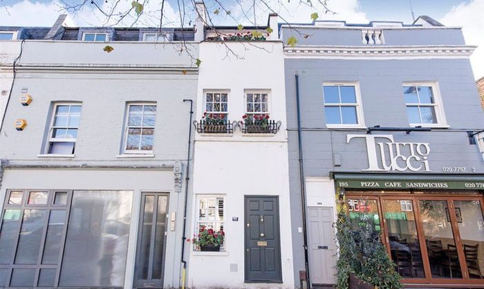Rumah ini terletak di London, di mana harga properti di ibu kota Inggris ini memang gila-gilaan. Istimewa/Inhabitat.