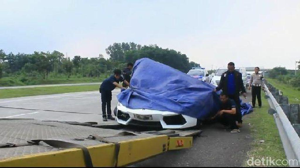 Kecelakaan Lamborghini di Tol Cipali Bukan Karena Ugal-ugalan