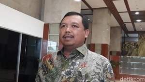 31 Kepala Daerah Jatim Timses Jokowi, Komisi II DPR: Sebaiknya Netral