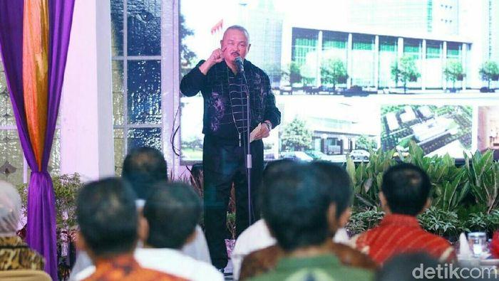 Gubernur Sumatera Selatan Alex Noerdin memberi pengarahan dalam sosialisasi di Rumah Dinas Wali Kota Palembang (Raja Adil Siregar/detikSport)
