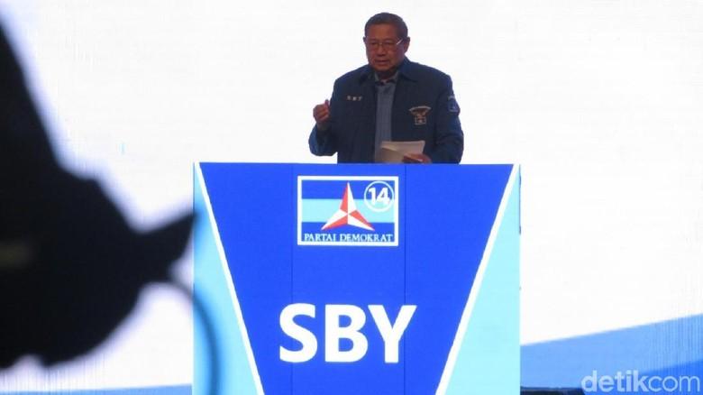 Luhut Bandingkan Jokowi-SBY, PD: Pak Menteri Kerja Saja