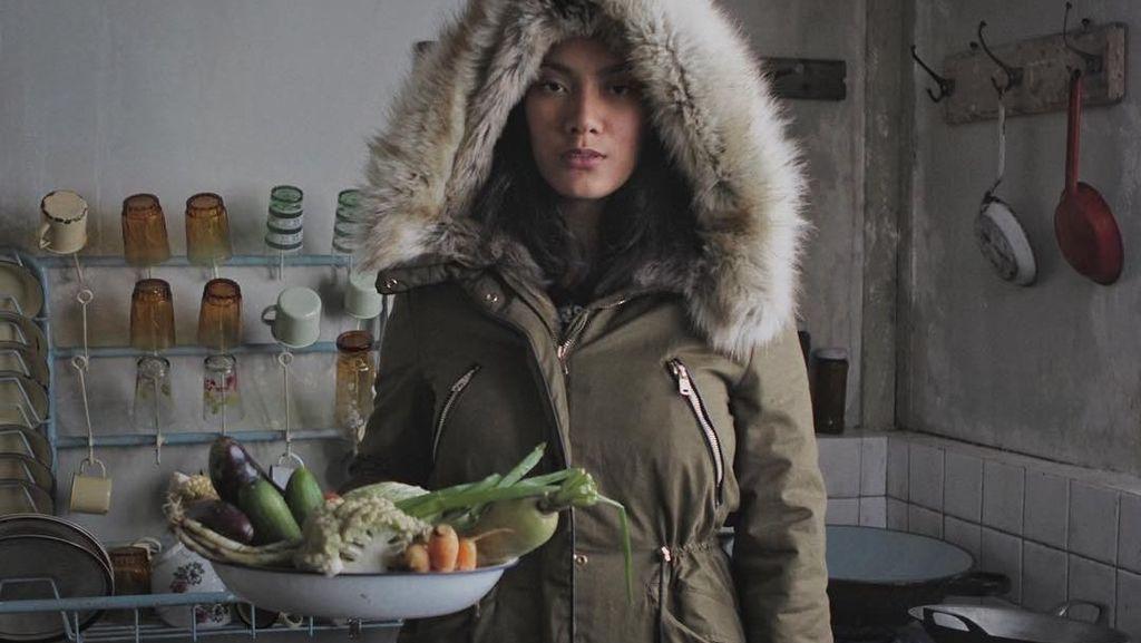 Mengintip Kegiatan Tara Basro Saat Belanja ke Pasar hingga Buat Kue di Rumah