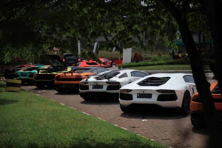 Bukan hanya mempersiapkan uang saja, kalau mau membeli Lamborghini harus juga mempersiapkan mental yang kuat. Foto: dok. Lamborghini