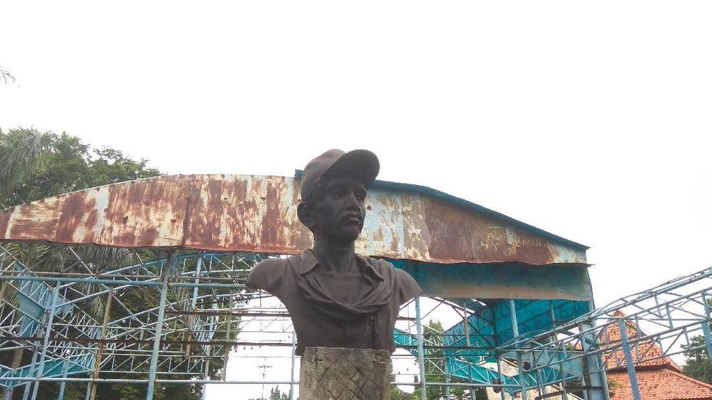 Pudarnya Patung Gombloh di THR Surabaya