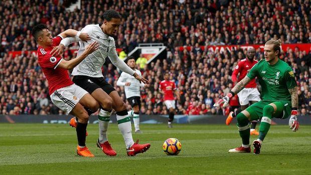 Liverpool sempat mendesak wasit untuk memberikan penalti.