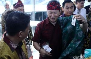 Triawan Munaf Kepincut Batik Handmade Lombok