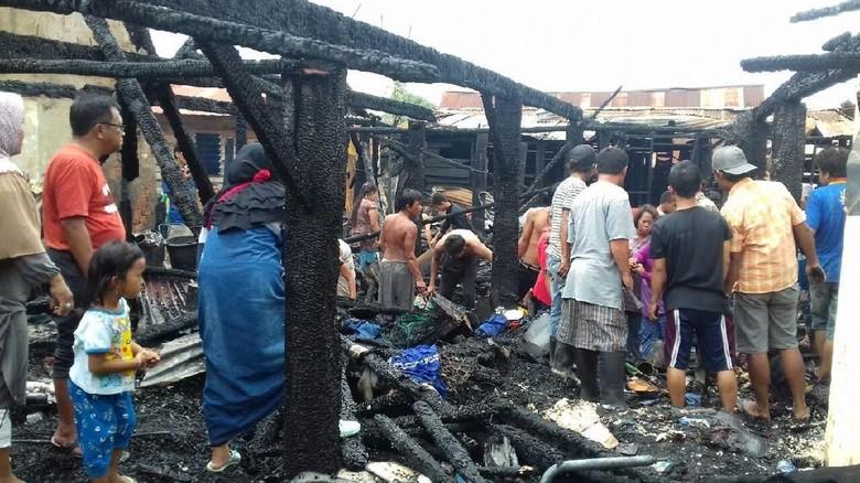 Dipicu Arus Pendek, 7 Rumah di Palembang Hangus Terbakar