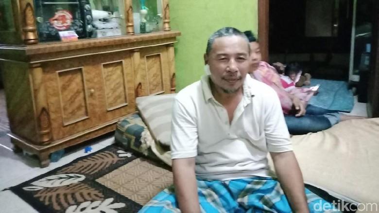 Abdul Mengaku Tak Kenal dengan Perempuan yang Menusuknya di Masjid