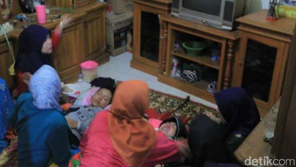 Ibunda dan Adik Menangis Tersedu Sambut Peti Pratu Randi