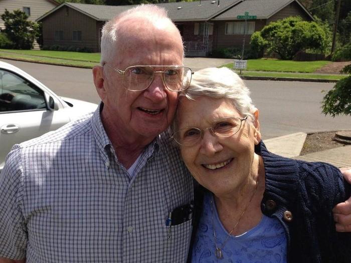 Pasangan Charlie dan Francie meninggal bersamaan sambil berpegangan tangan. Foto: Dok. Jerlyn Marler