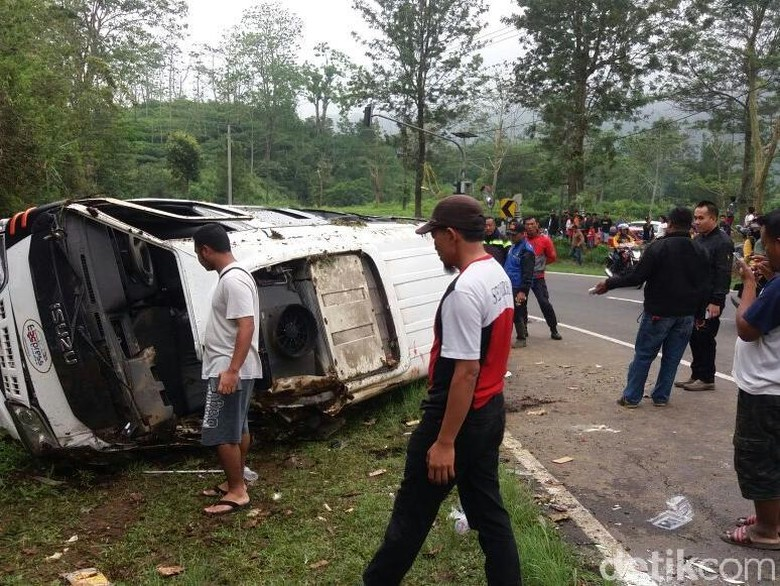 Sopir Minibus yang Kecelakaan di Tanjakan Emen Jadi Tersangka
