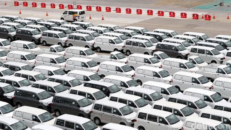 Pengiriman mobil ke konsumen (Foto: Grandyos Zafna)