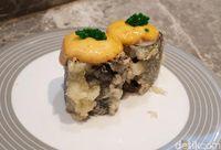 Sushi Go!: Makan <i>Aburi Salmon Blackpepper</i> dan <i>Salmon Roll</i> Serba Rp 15.000