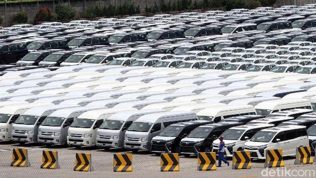 Ilustrasi penjualan /ekspor mobil