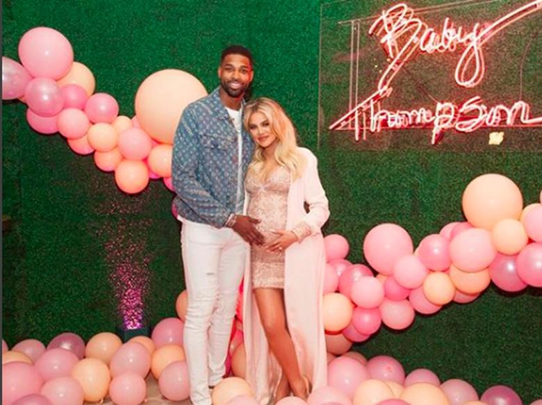 Jelang Lahiran, Khloe Kardashian Disebut Rencanakan Pernikahan Rp 27 M
