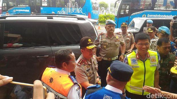 Kapolri Tito tiba di lokasi dan disambut Kakorlantas
