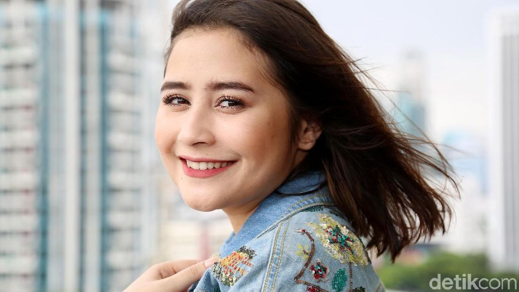 Liburan Asyik Ala Prilly Latuconsina: Backpacker!