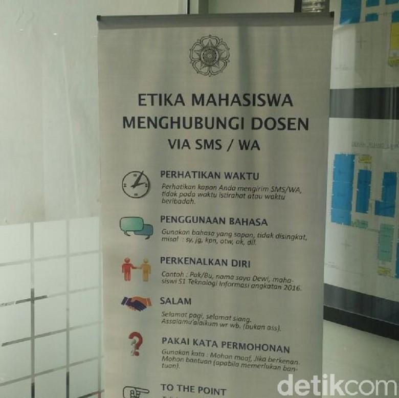 Ini Respon Mahasiswa UGM tentang Banner Etika Menghubungi Dosen