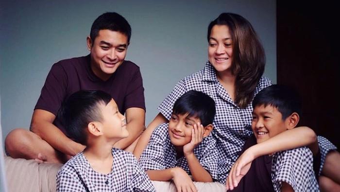 Irgi Ahmad Fahrezi dan keluarga