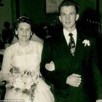 Pasangan Charlie dan Francie meninggal bersamaan sambil berpegangan tangan.