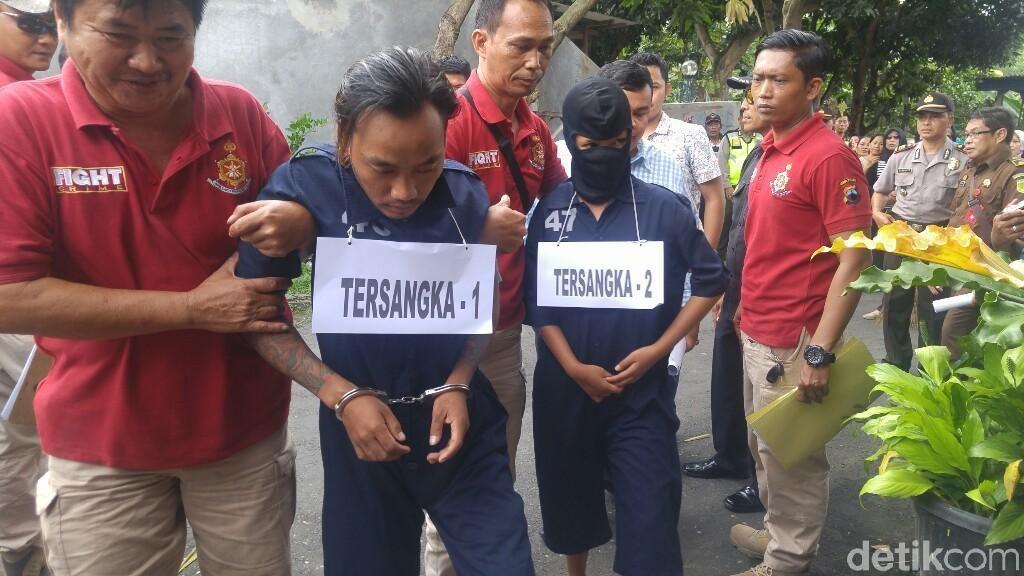 Foto: Rekonstruksi Pembunuhan IRT di Semarang