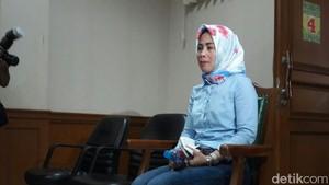 Tak Hanya Nafkah, Anita Dewi Dapat Mobil Baru dari Abdee Slank